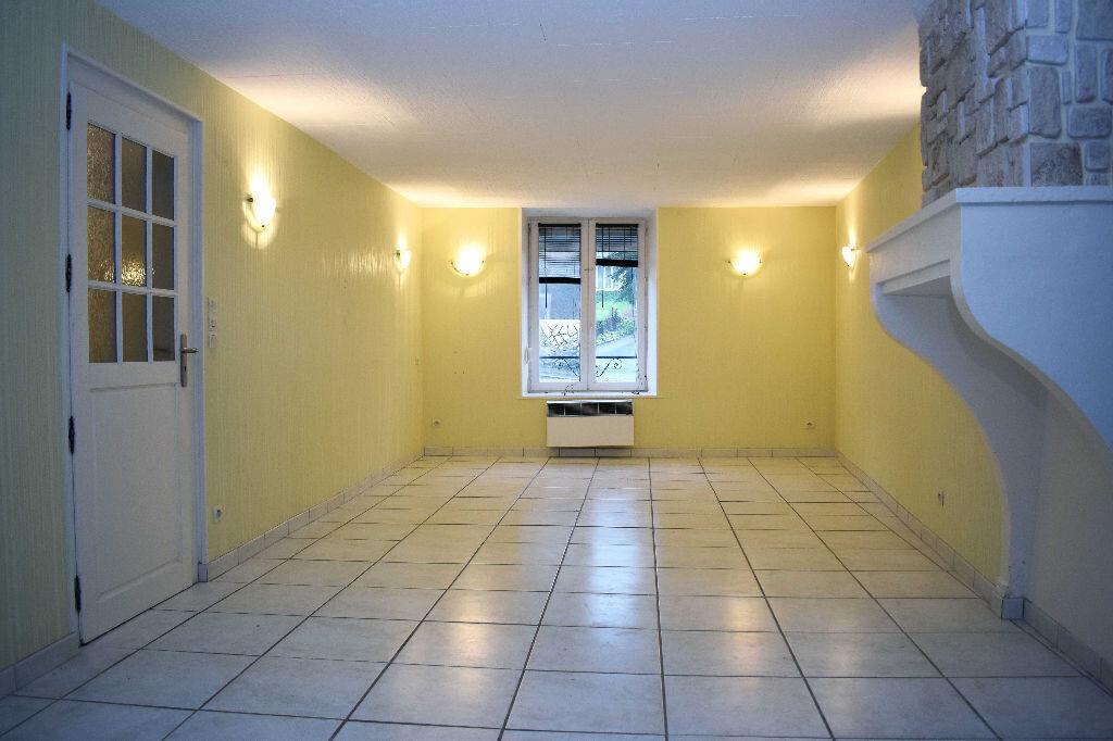 Maison à louer 5 115m2 à Chavigny vignette-2