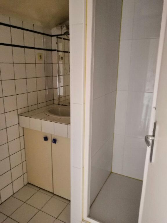 Appartement à louer 3 52.59m2 à Nancy vignette-6