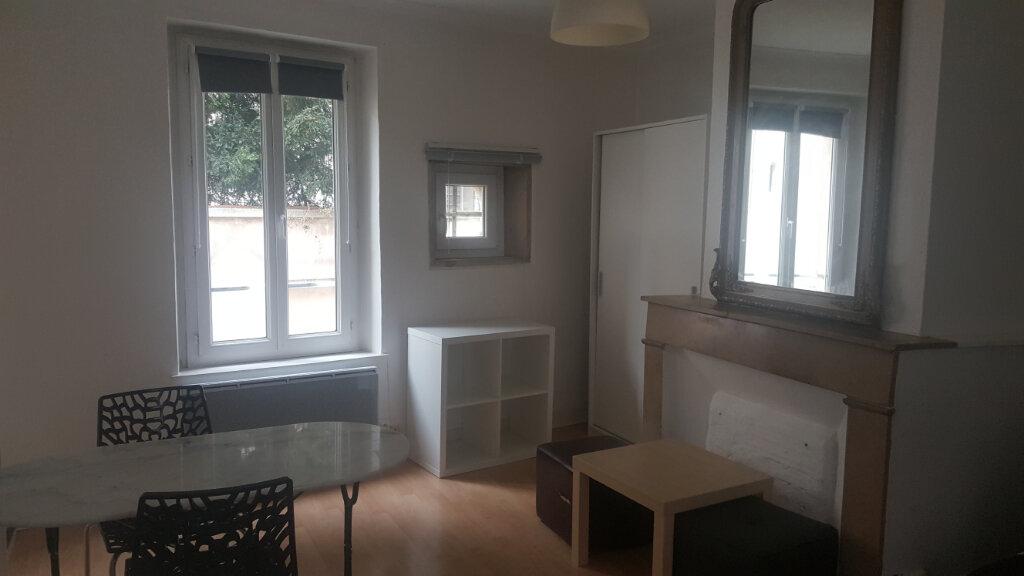 Appartement à louer 1 21.7m2 à Nancy vignette-1