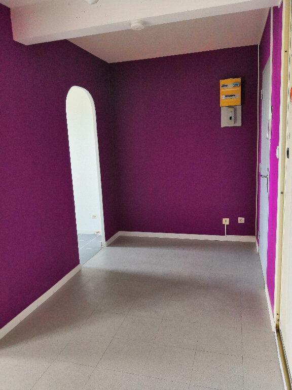 Appartement à louer 4 91.1m2 à Ludres vignette-3