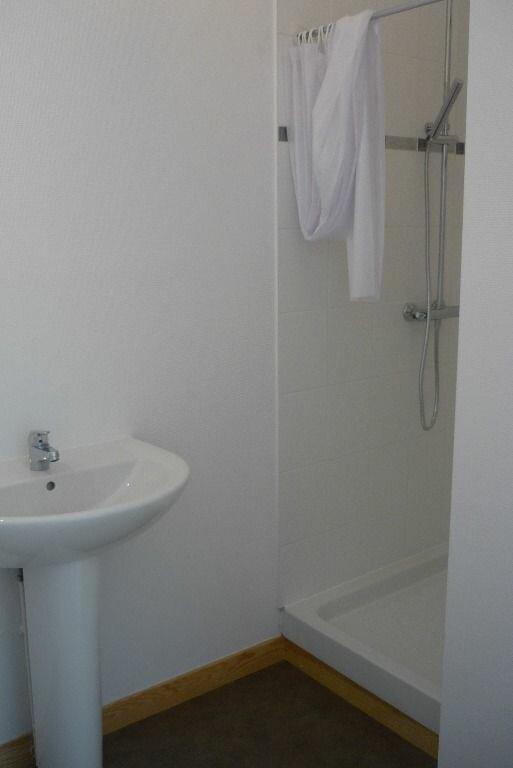 Appartement à louer 2 33m2 à Nancy vignette-4