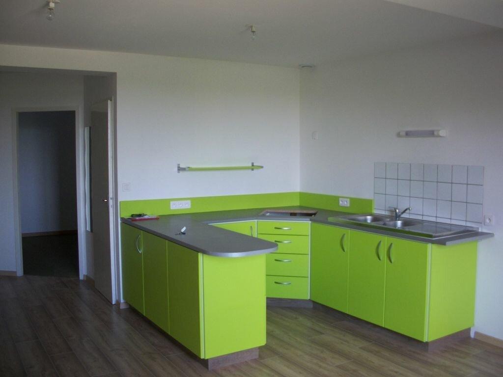 Appartement à louer 4 74m2 à Clérey-sur-Brenon vignette-2