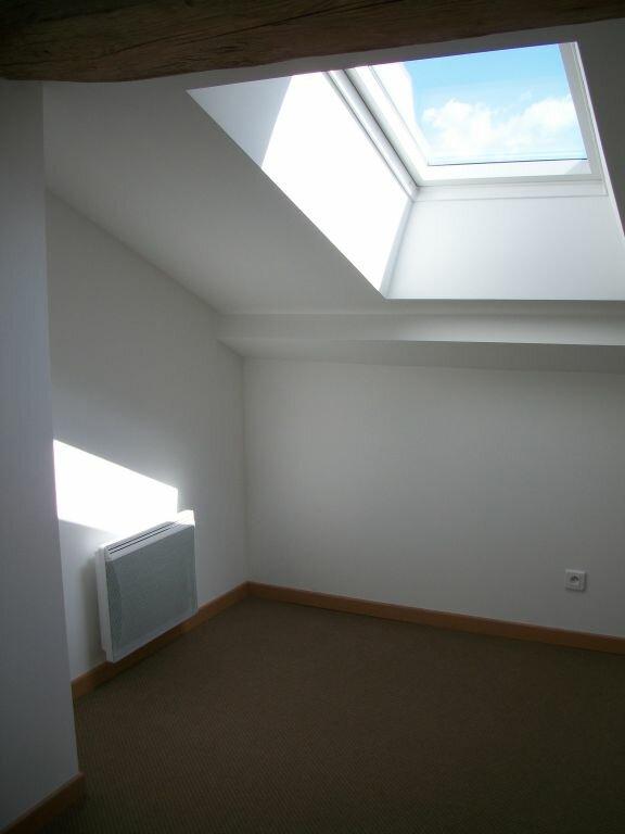 Appartement à louer 4 74m2 à Clérey-sur-Brenon vignette-3