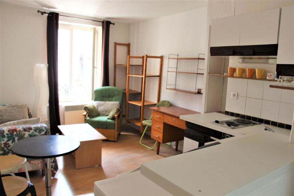Appartement à louer 2 28.05m2 à Nancy vignette-2