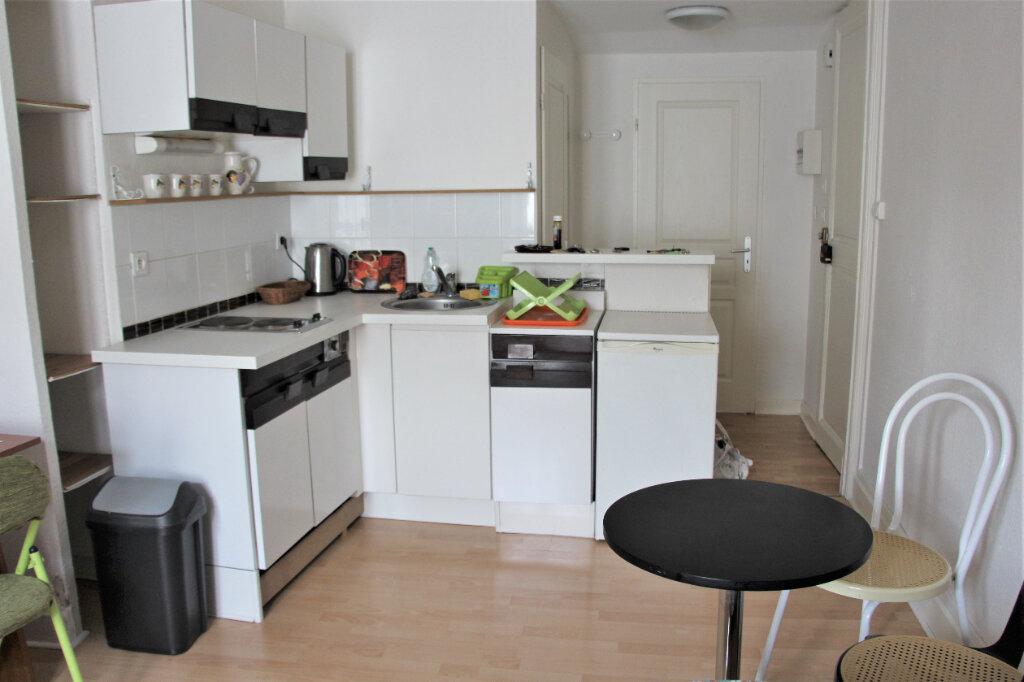 Appartement à louer 2 28.05m2 à Nancy vignette-3