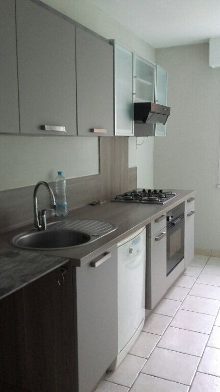 Appartement à louer 3 75m2 à Villers-lès-Nancy vignette-2