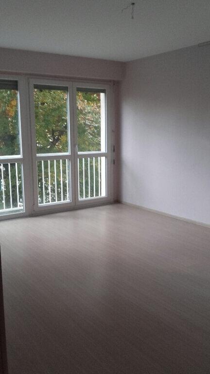 Appartement à louer 3 75m2 à Villers-lès-Nancy vignette-3