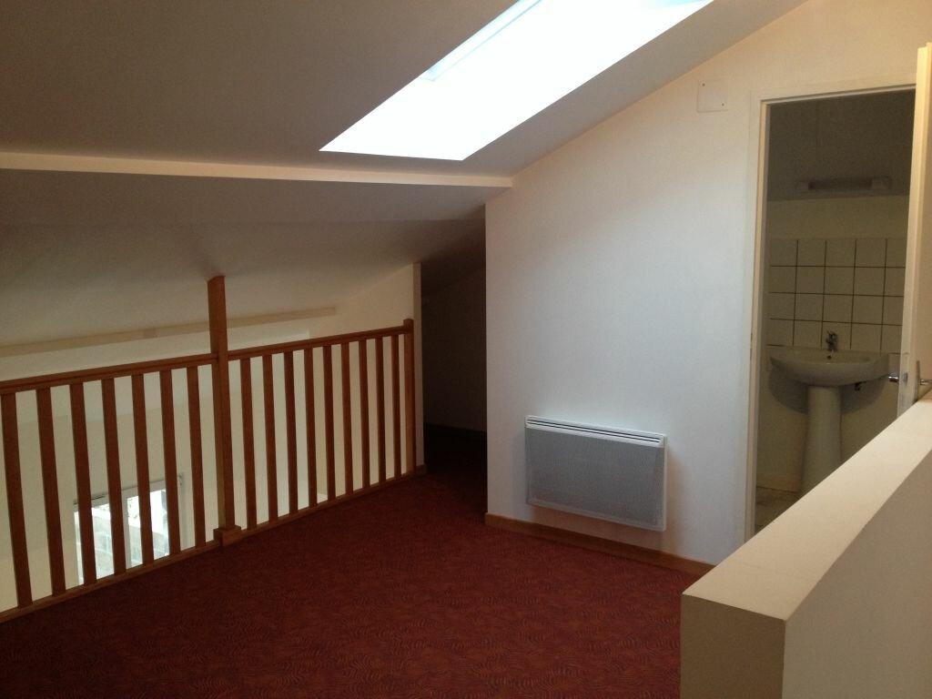 Appartement à louer 2 60m2 à Clérey-sur-Brenon vignette-3