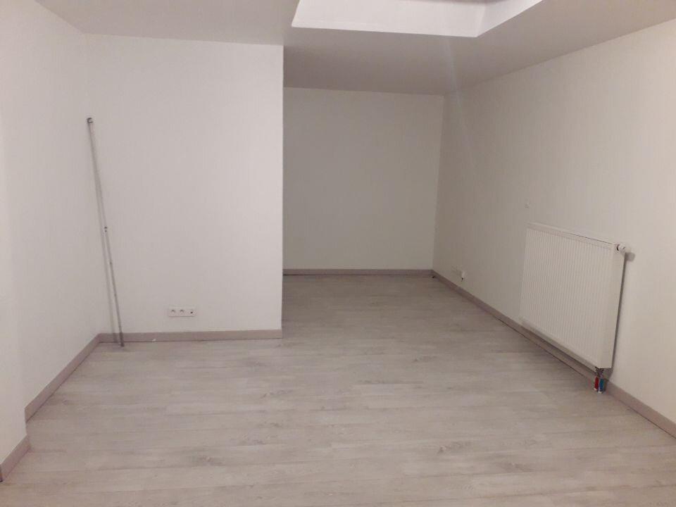Appartement à louer 2 55.91m2 à Nancy vignette-2