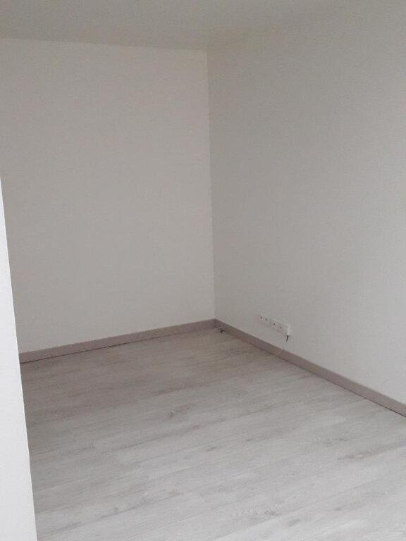 Appartement à louer 2 55.91m2 à Nancy vignette-3
