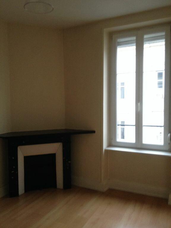 Appartement à louer 3 53m2 à Nancy vignette-3