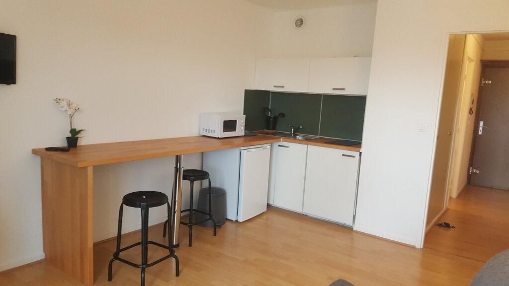Appartement à louer 1 22.55m2 à Vandoeuvre-lès-Nancy vignette-2