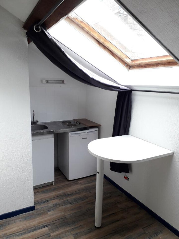 Appartement à louer 1 12m2 à Nancy vignette-1