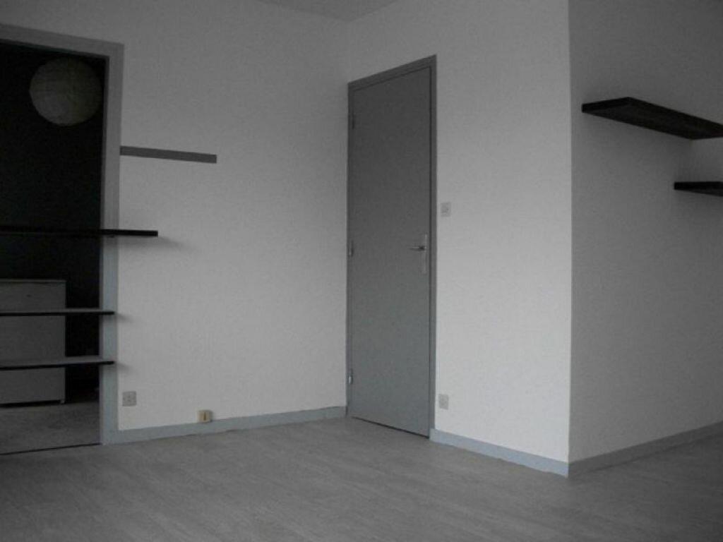 Appartement à louer 1 29m2 à Nancy vignette-2