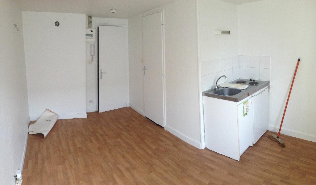 Appartement à louer 1 15m2 à Nancy vignette-1