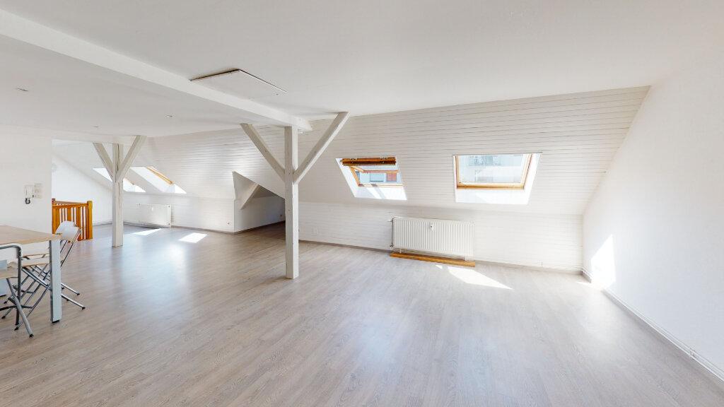 Appartement à louer 3 92.67m2 à Strasbourg vignette-2