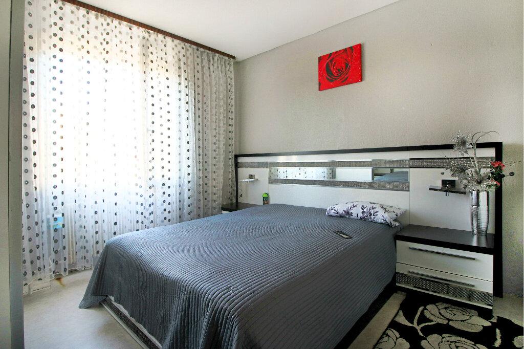 Appartement à vendre 3 63m2 à Colmar vignette-2