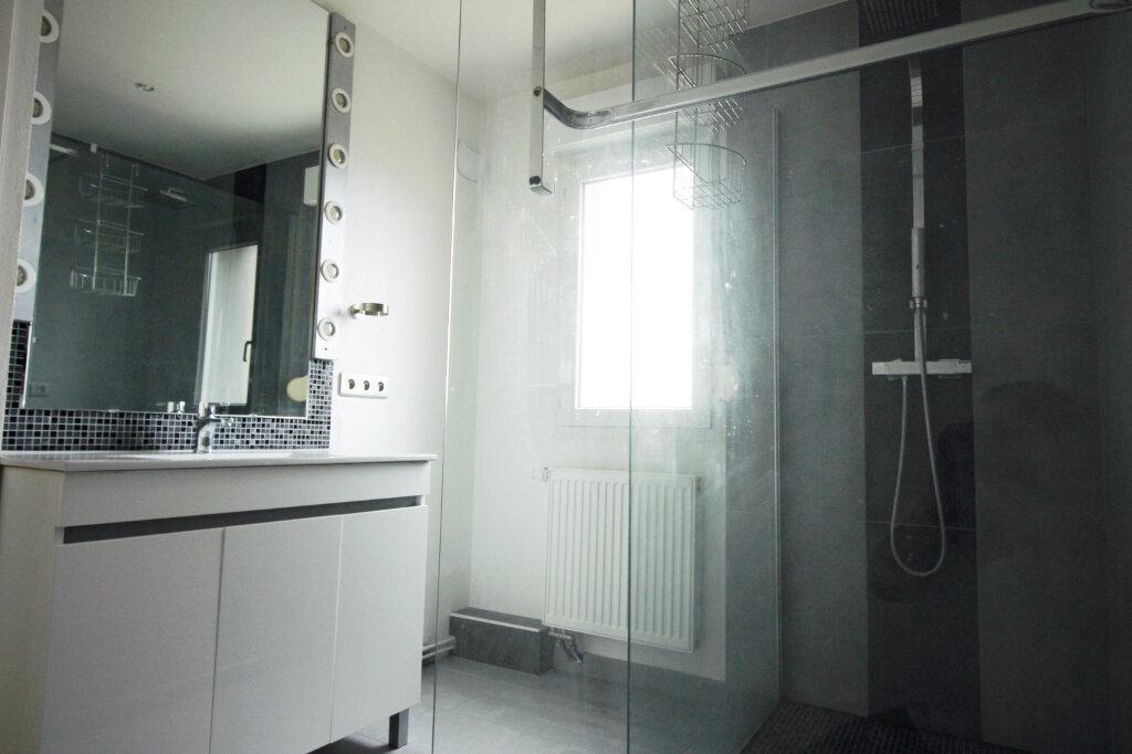 Appartement à louer 3 78m2 à Schiltigheim vignette-3