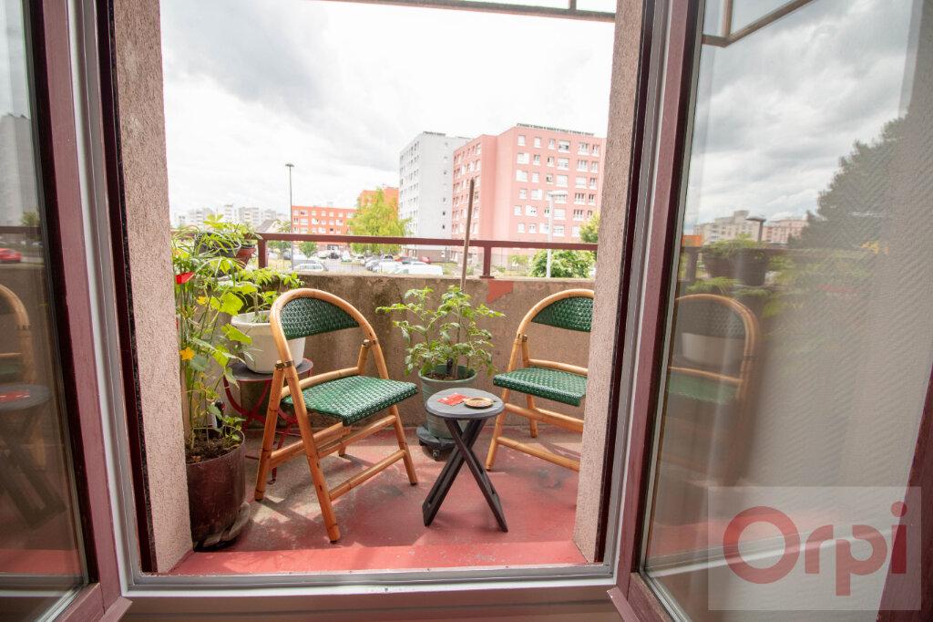 Appartement à vendre 3 63.75m2 à Strasbourg vignette-2