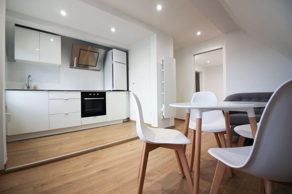 Appartement à louer 2 38m2 à Strasbourg vignette-2