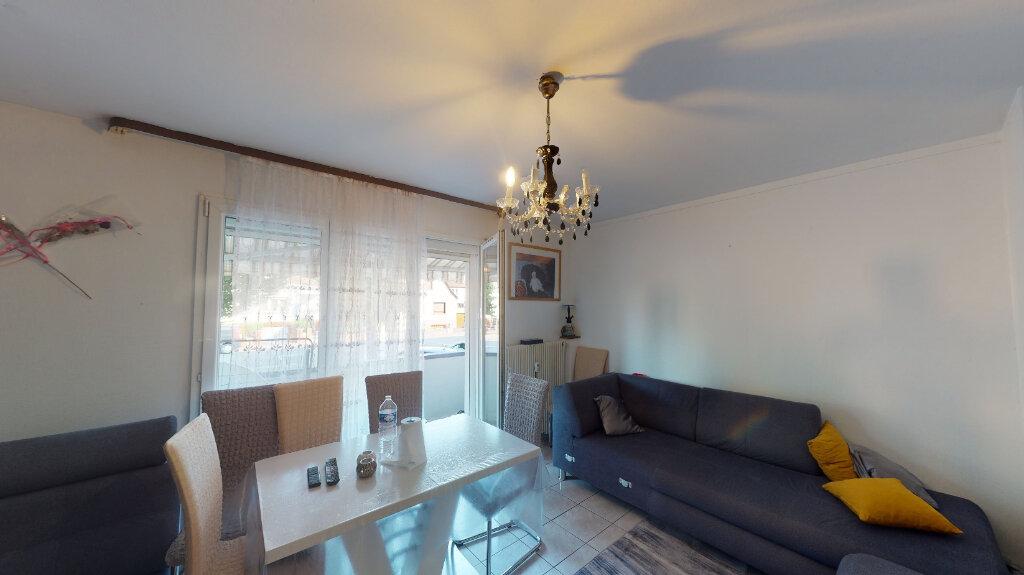 Appartement à vendre 3 62m2 à Strasbourg vignette-1