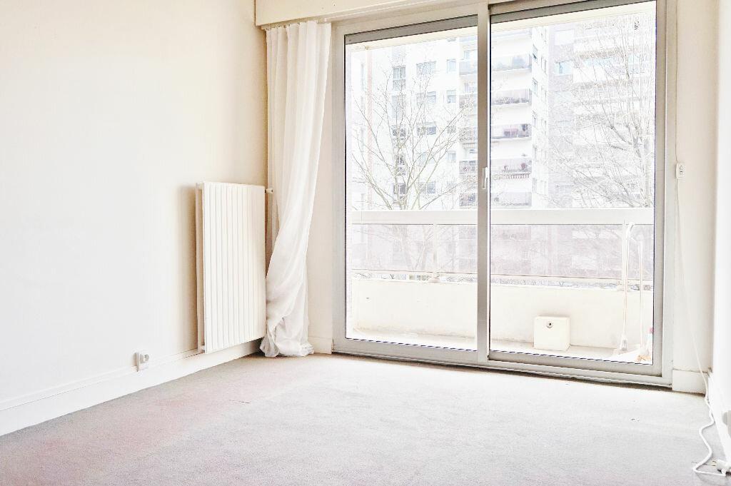 Appartement à louer 2 45m2 à Paris 15 vignette-6