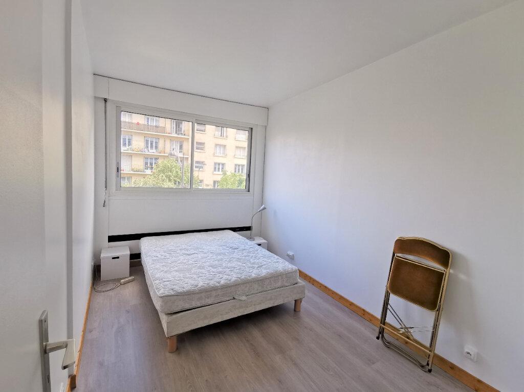 Appartement à louer 2 46m2 à Paris 15 vignette-7