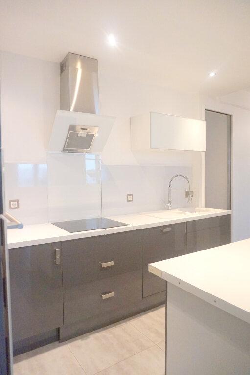 Appartement à louer 4 69.2m2 à Boulogne-Billancourt vignette-5
