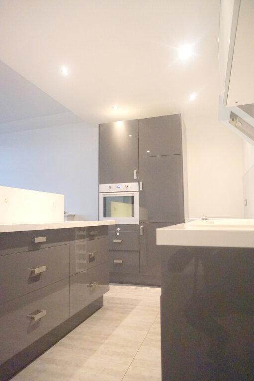 Appartement à louer 4 69.2m2 à Boulogne-Billancourt vignette-6