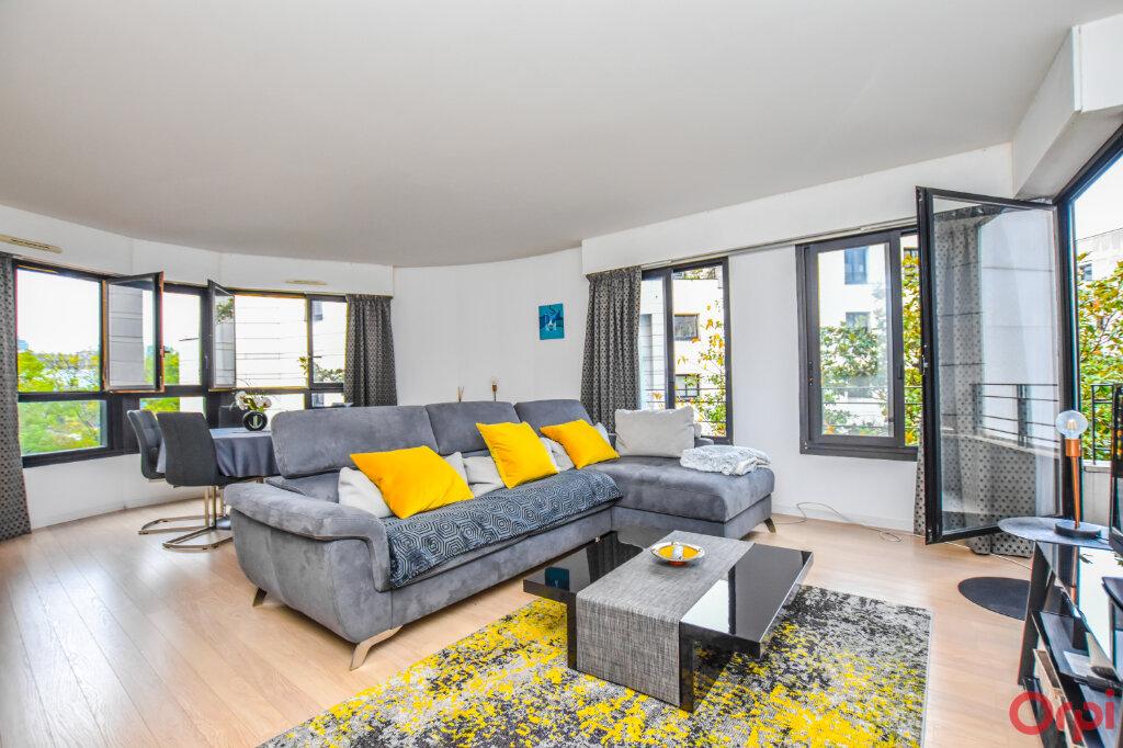 Appartement à louer 2 72m2 à Paris 15 vignette-1