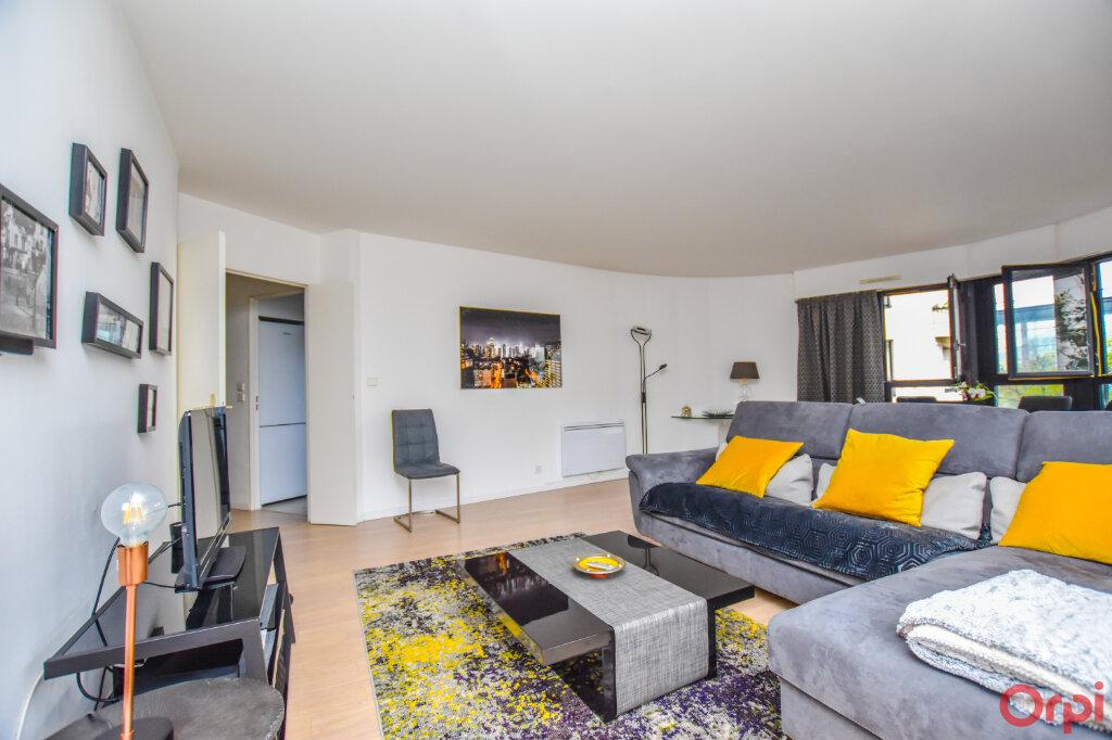 Appartement à louer 2 72m2 à Paris 15 vignette-3