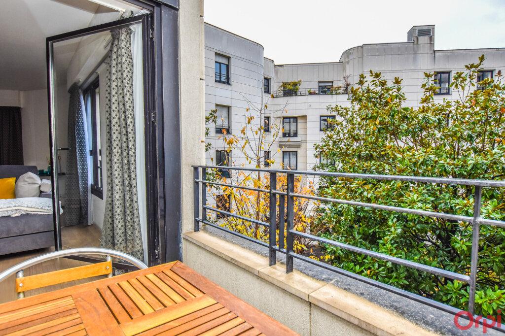 Appartement à louer 2 72m2 à Paris 15 vignette-6