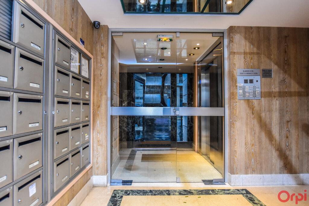 Appartement à louer 2 72m2 à Paris 15 vignette-13