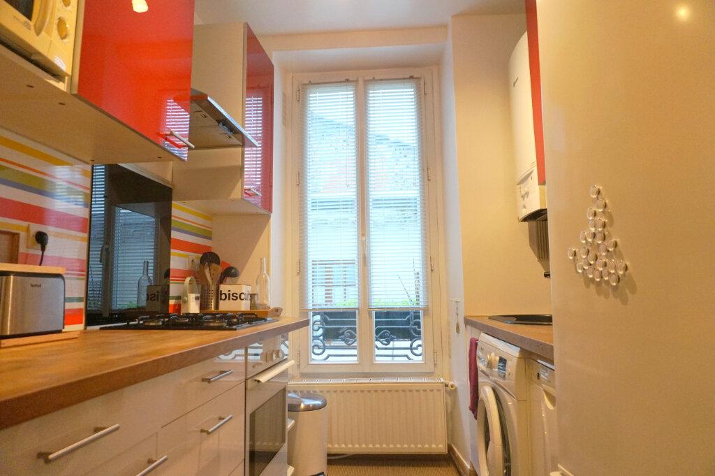 Appartement à louer 3 60m2 à Paris 15 vignette-4