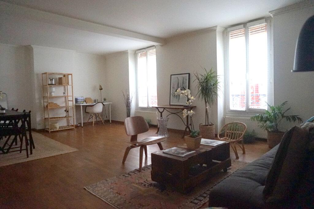 Appartement à louer 3 60m2 à Paris 15 vignette-10