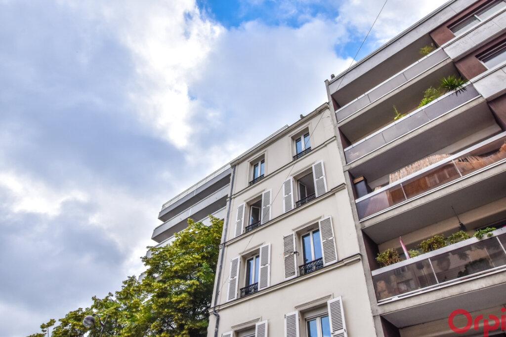 Appartement à louer 1 24m2 à Paris 15 vignette-4