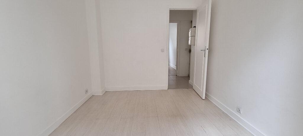 Appartement à louer 2 28m2 à Paris 15 vignette-2