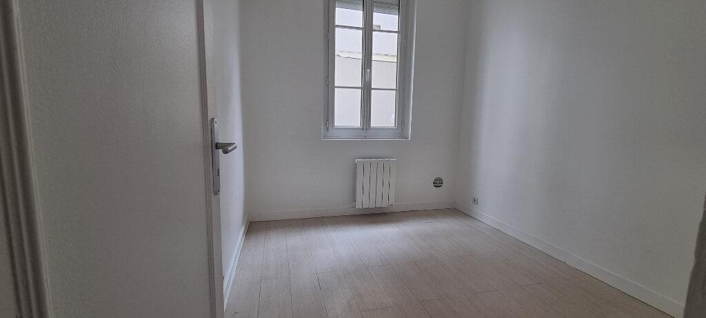Appartement à louer 2 28m2 à Paris 15 vignette-4
