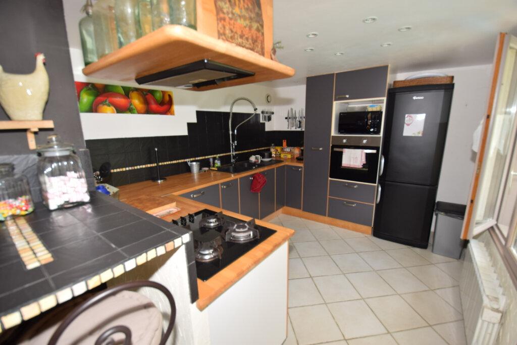 Maison à vendre 8 215m2 à Soulignonne vignette-3