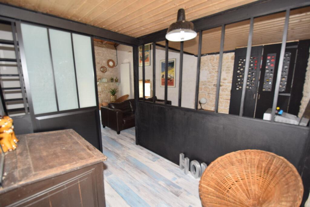 Maison à vendre 8 215m2 à Soulignonne vignette-11