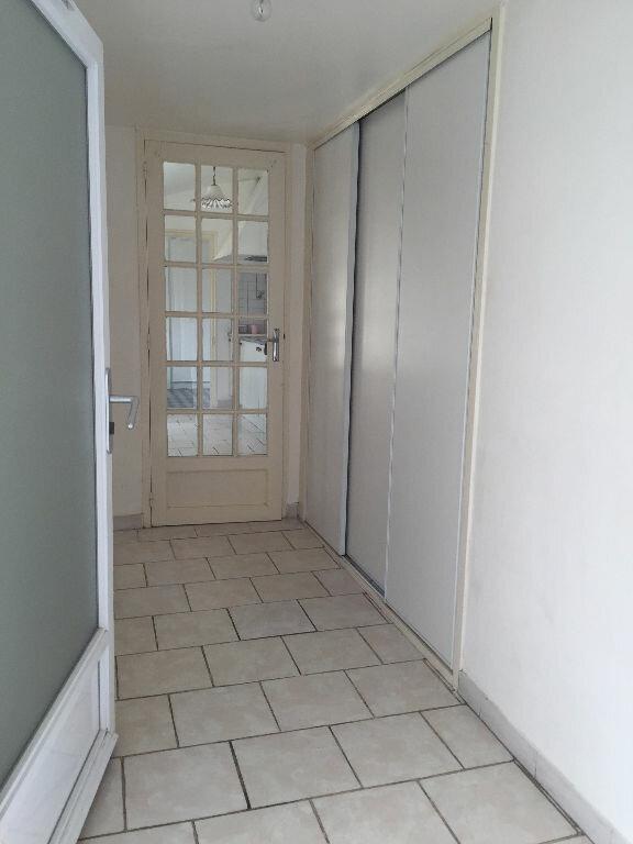 Maison à louer 6 110m2 à Bords vignette-2