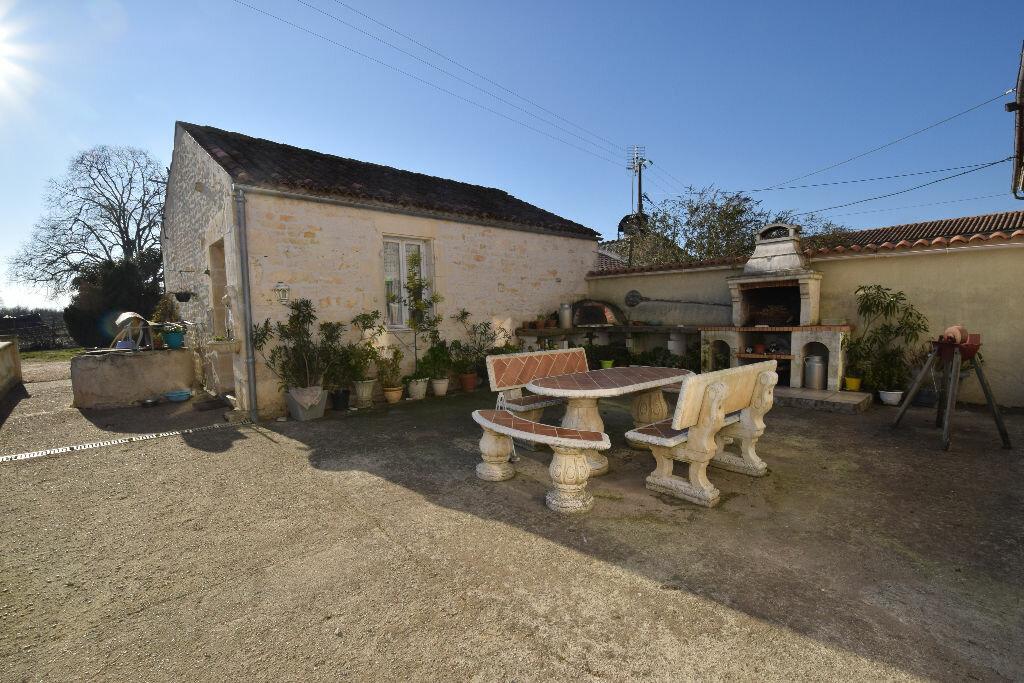 Maison à vendre 10 295m2 à Beurlay vignette-1