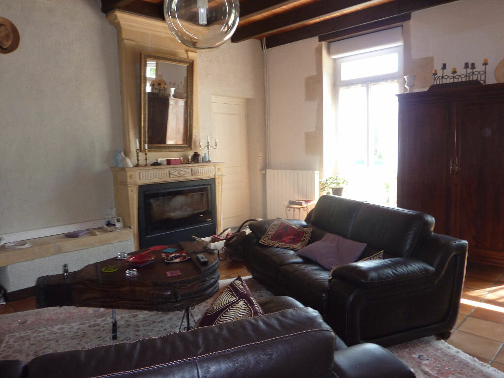 Maison à vendre 7 268m2 à Puy-du-Lac vignette-7