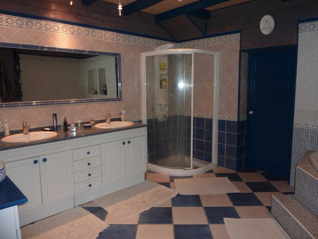 Maison à vendre 7 268m2 à Puy-du-Lac vignette-10