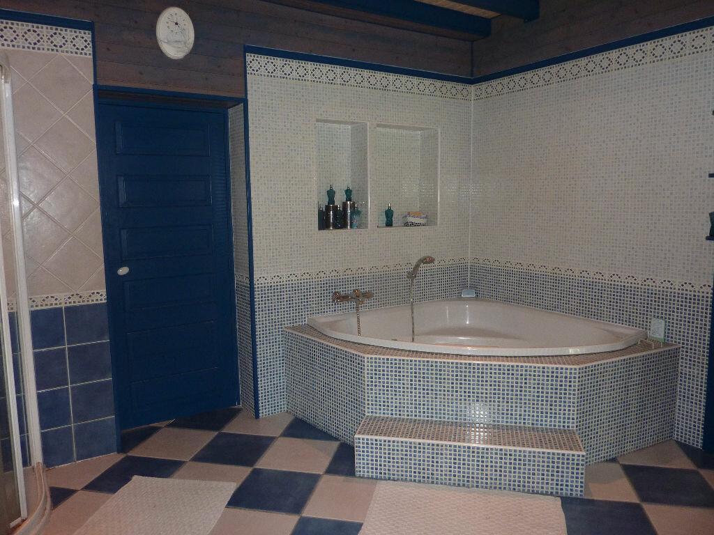 Maison à vendre 7 268m2 à Puy-du-Lac vignette-11