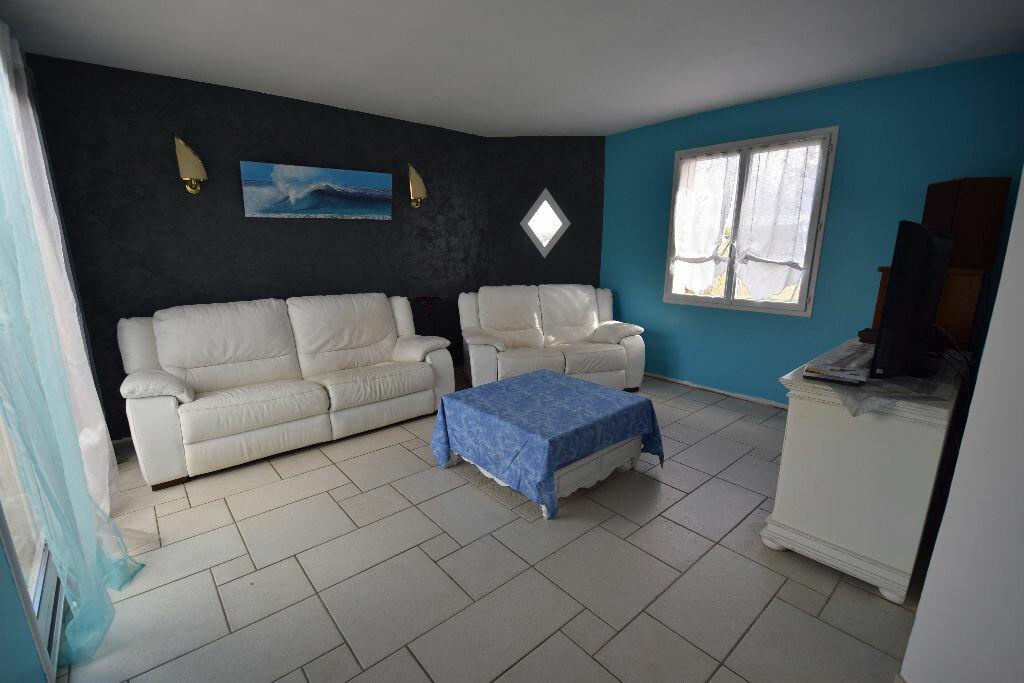 Maison à vendre 4 124m2 à Bords vignette-4