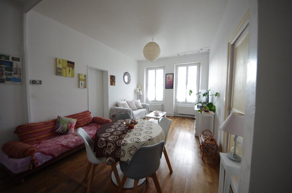 Appartement à vendre 3 64m2 à Saintes vignette-7
