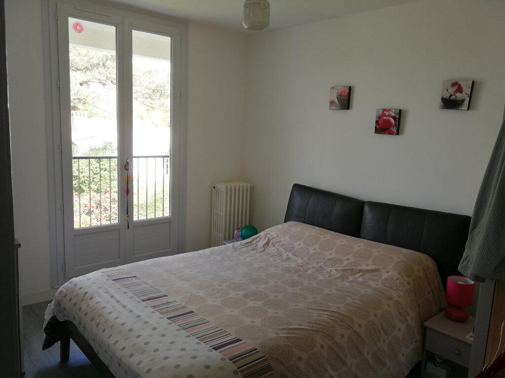 Maison à louer 5 95m2 à Chaniers vignette-6