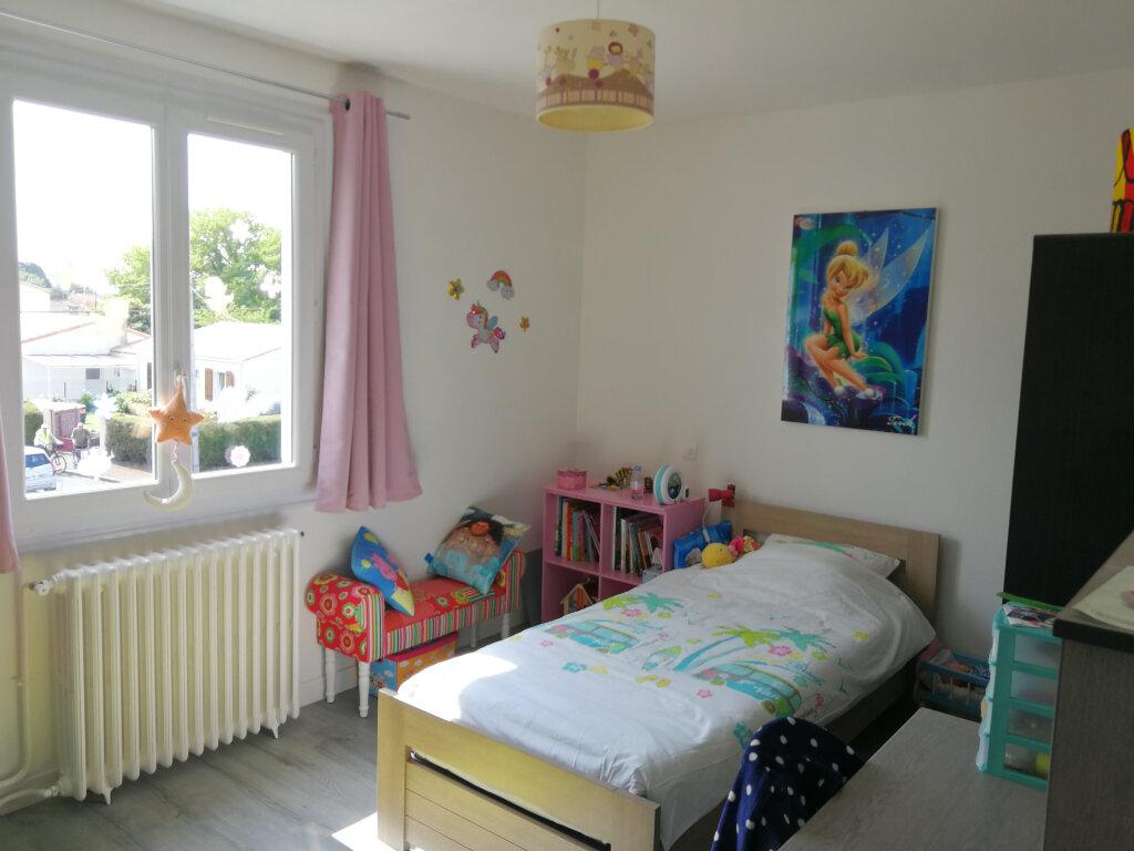 Maison à louer 5 95m2 à Chaniers vignette-9