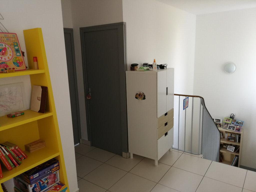 Maison à louer 5 95m2 à Chaniers vignette-11